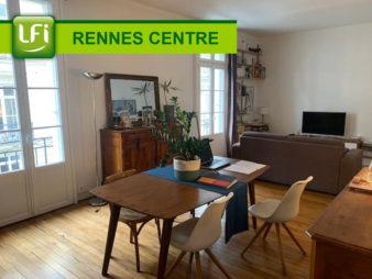 Appartement Rennes Centre-ville les Halles 5 pièces 104.99m²  en carrez et 118m² au sol – duplex avec balcon filant exposé Sud