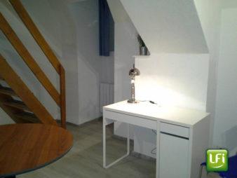 EXCLUSIVITE AGENCE ! Appartement Rennes Centre Ville 2 pièces en duplex d'environ 36 m2 situé au dernier étage d'une résidence de 2000
