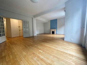 EXCLUSIVITE AGENCE ! Appartement Rennes Centre-ville – Les Halles – 4 pièces de 94 m²  avec cave. et garage