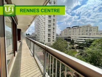 Appartement Rennes Colombier 5 pièces de 131m2 situé au 4ème étage plein Ouest avec balcon, cave et garage