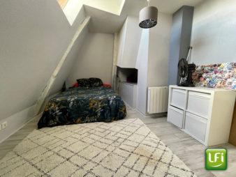 Appartement Rennes Centre Ville 2 pièces en duplex de 33 m2 situé au dernier étage d'une résidence de 2000